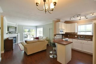 Photo 1: 2 689 PARK Road in Gibsons: Gibsons & Area Condo for sale (Sunshine Coast)  : MLS®# R2607792