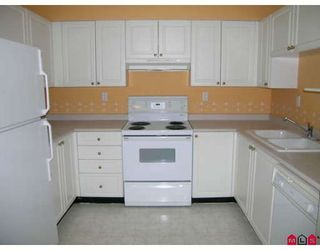 """Photo 6: 807 13880 101ST Avenue in Surrey: Whalley Condo for sale in """"THE ODYSSEY"""" (North Surrey)  : MLS®# F2812747"""