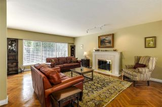 """Photo 5: 4852 QUEENSLAND Road in Vancouver: University VW House for sale in """"Little Australia"""" (Vancouver West)  : MLS®# R2256757"""