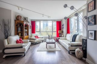 """Photo 3: 601 388 DRAKE Street in Vancouver: Yaletown Condo for sale in """"GOVERNORS TOWER"""" (Vancouver West)  : MLS®# R2616318"""