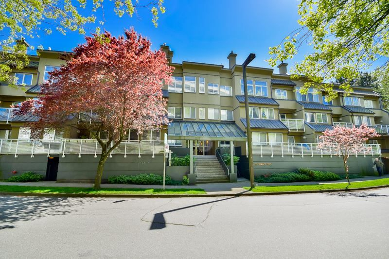 Main Photo: 202 650 MOBERLY ROAD in : False Creek Condo for sale (Vancouver West)  : MLS®# R2061455