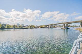 """Photo 40: 805 980 COOPERAGE Way in Vancouver: Yaletown Condo for sale in """"COOPERS POINTE by Concord Pacific"""" (Vancouver West)  : MLS®# R2614161"""