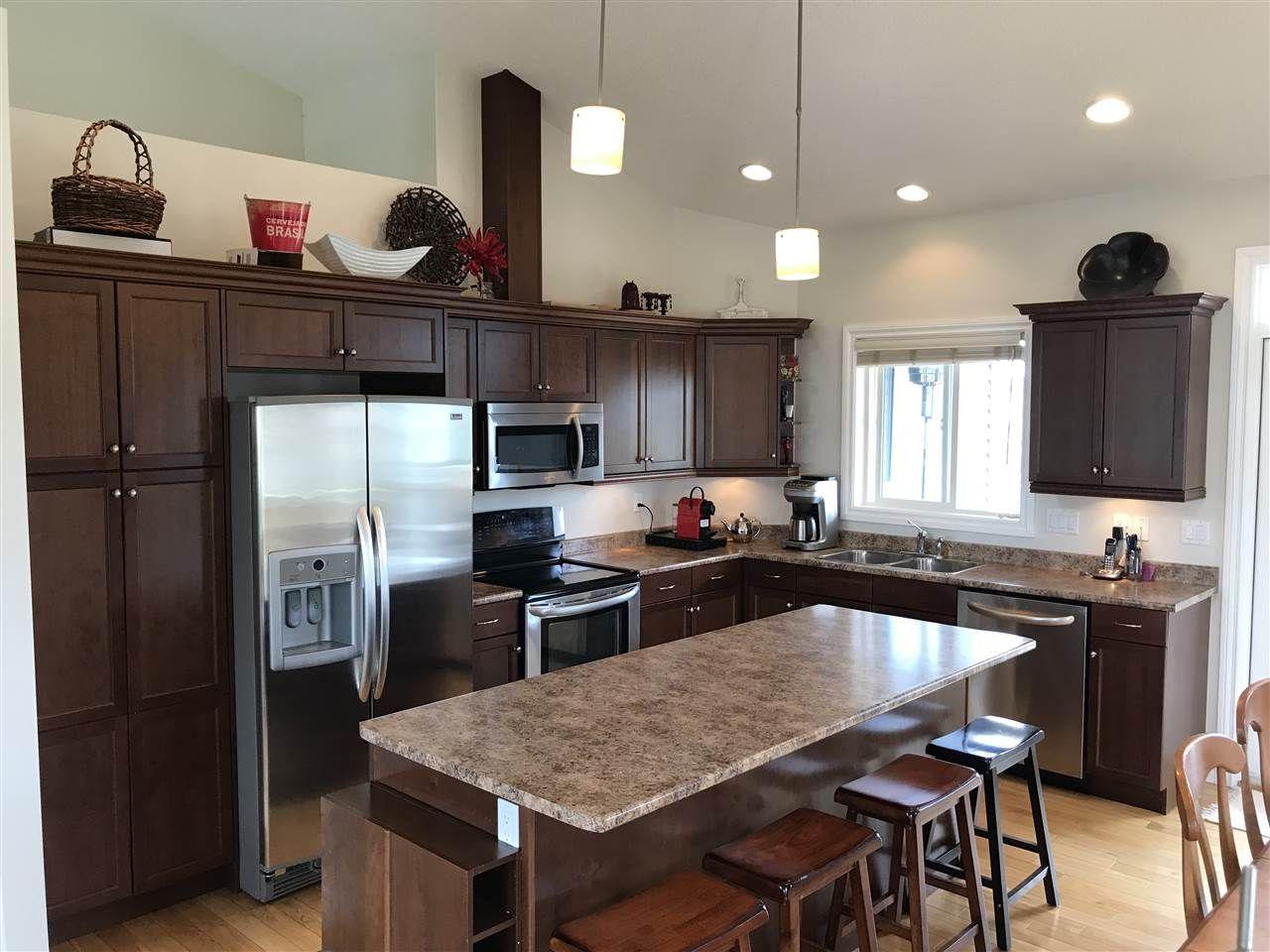 """Photo 2: Photos: 8803 111 Avenue in Fort St. John: Fort St. John - City NE House for sale in """"WHISPERING WINDS"""" (Fort St. John (Zone 60))  : MLS®# R2279272"""
