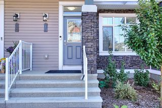 Photo 2: 15 Clydesdale Crescent: Cochrane Row/Townhouse for sale : MLS®# A1138817
