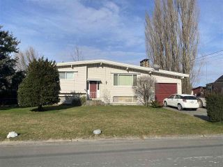 Photo 1: 45273 BALMORAL Avenue in Chilliwack: Sardis West Vedder Rd House for sale (Sardis) : MLS®# R2541310