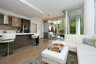 Photo 4: 105 200 Douglas St in VICTORIA: Vi James Bay Condo for sale (Victoria)  : MLS®# 832368