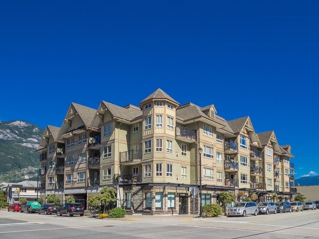 """Main Photo: 205 38003 SECOND Avenue in Squamish: Downtown SQ Condo for sale in """"SQUAMISH POINTE"""" : MLS®# R2608119"""