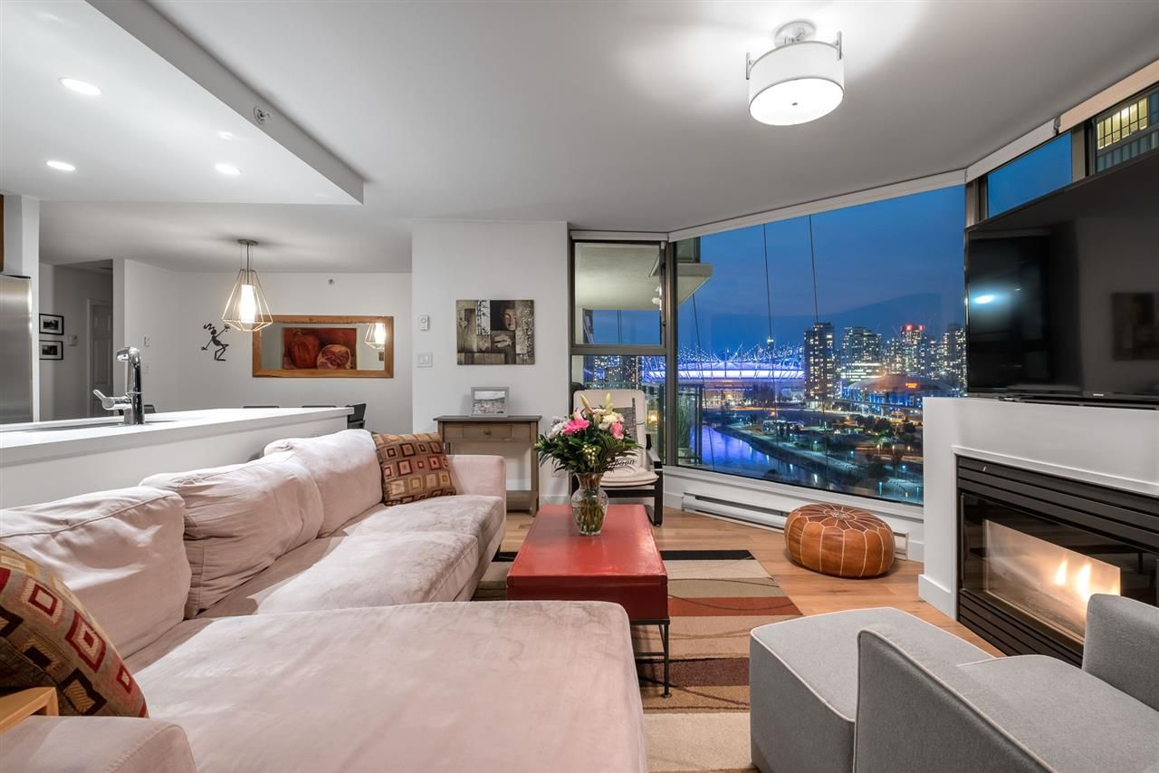 Main Photo: 1201 - 1128 Quebec St in Vancouver: Downtown VE Condo for sale (Vancouver East)  : MLS®# R2508020