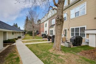 Photo 31: 93 SOMME Boulevard SW in Calgary: Garrison Woods Row/Townhouse for sale : MLS®# C4241800