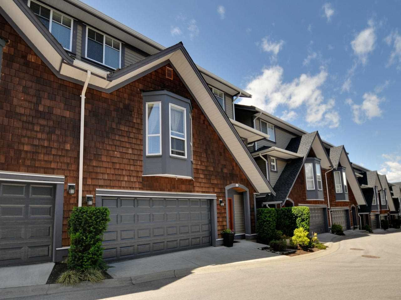 A stunning 5bdrm/4bath Luxury Townhome boasting over 2,300sf with extensive upgrades incl air conditioning throughout. Walk to Morgan Crossing shopping & transit. Southridge Private School, Semiahmoo Secondary & Sunnyside Elementary catchments!