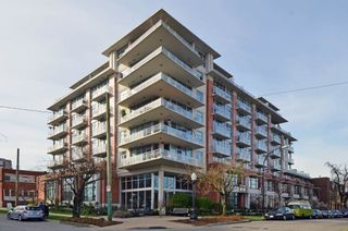 "Photo 1: 305 298 E 11TH Avenue in Vancouver: Mount Pleasant VE Condo for sale in ""THE SOPHIA"" (Vancouver East)  : MLS®# R2138336"