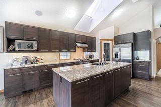Photo 5: 8 Evergreen Heights SW in Calgary: Evergreen Detached for sale : MLS®# A1102790