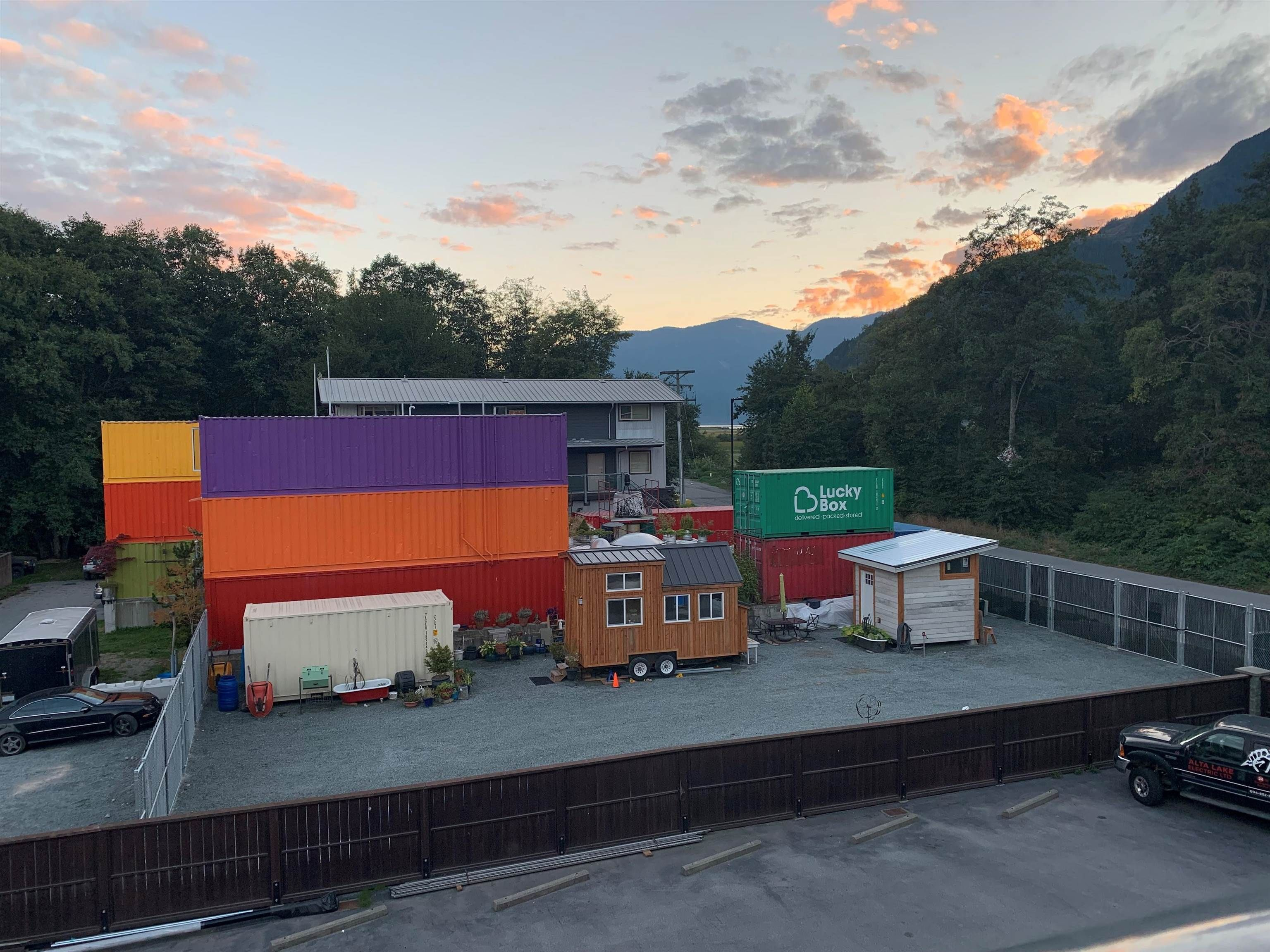 Main Photo: 37718 THIRD Avenue in Squamish: Downtown SQ Industrial for sale : MLS®# C8040109
