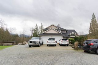 """Photo 2: 35444 HARTLEY Road in Mission: Durieu House for sale in """"McConnell Creek"""" : MLS®# R2464015"""