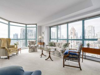 "Photo 5: 2005 212 DAVIE Street in Vancouver: Yaletown Condo for sale in ""Parkview Gardens"" (Vancouver West)  : MLS®# R2218956"