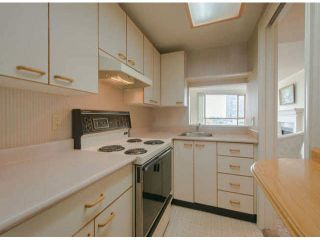 "Photo 5: 810 15111 RUSSELL Avenue: White Rock Condo for sale in ""Pacific Terrace"" (South Surrey White Rock)  : MLS®# F1424896"