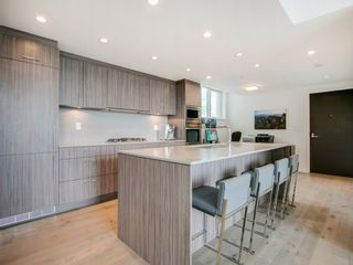 """Photo 12: 905 728 W 8TH Avenue in Vancouver: Fairview VW Condo for sale in """"700 WEST8TH"""" (Vancouver West)  : MLS®# R2082142"""