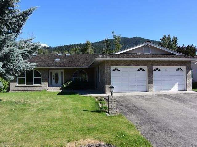 Main Photo: 619 3RD Avenue in : Chase House for sale (South East)  : MLS®# 136032