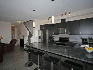 Photo 5: 451 HILLCREST Circle SW: Airdrie House for sale