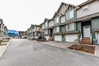 """Photo 2: 54 6498 SOUTHDOWNE Place in Sardis: Sardis East Vedder Rd Townhouse for sale in """"VILLAGE GREEN"""" : MLS®# R2340910"""