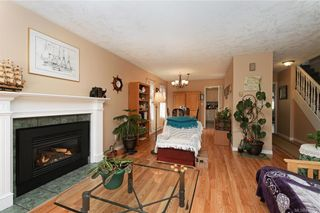 Photo 3: 2201 Tara Pl in Sooke: Sk Broomhill House for sale : MLS®# 840371