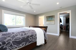 """Photo 18: 18875 57 Avenue in Surrey: Cloverdale BC House for sale in """"Fairway Estates"""" (Cloverdale)  : MLS®# R2445058"""