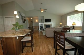 Photo 3: 2422 Mountain Hollow Lane in West Kelowna: Shannon Lake House for sale : MLS®# 10102765