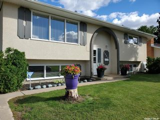 Photo 3: 1351 McKay Drive in Prince Albert: Crescent Heights Residential for sale : MLS®# SK870439