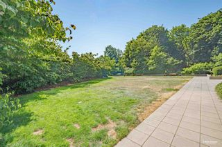 """Photo 20: 407 10777 UNIVERSITY Drive in Surrey: Whalley Condo for sale in """"City Point"""" (North Surrey)  : MLS®# R2599755"""
