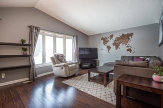 Photo 3: 79 Reay Crescent in Winnipeg: Valley Gardens Residential for sale (3E)  : MLS®# 202005941