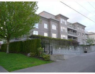 """Photo 2: 208 2490 W 2ND Avenue in Vancouver: Kitsilano Condo for sale in """"THE TRINITY"""" (Vancouver West)  : MLS®# V766577"""