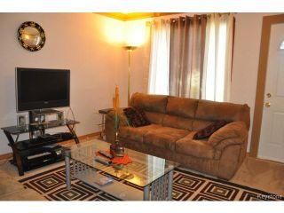 Photo 2: 1660 Arlington Street in WINNIPEG: North End Residential for sale (North West Winnipeg)  : MLS®# 1318907