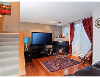 Photo 2: 937 HOMER ST in Vancouver: Condo for sale : MLS®# V866402