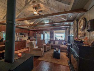 """Photo 10: 52275 GUEST Road in Vanderhoof - Rural: Cluculz Lake House for sale in """"Cluculz Lake"""" (PG Rural West (Zone 77))  : MLS®# R2542900"""