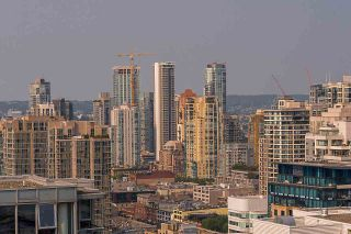"""Photo 17: 3302 602 CITADEL PARADE in Vancouver: Downtown VW Condo for sale in """"SPECTRUM 4"""" (Vancouver West)  : MLS®# R2197310"""