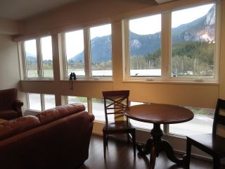 "Photo 1: 308 37841 CLEVELAND Avenue in Squamish: Downtown SQ Condo for sale in ""STUDIO SQ"" : MLS®# R2112293"
