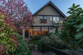 Main Photo: 333 E 8TH Street in North Vancouver: Central Lonsdale 1/2 Duplex for sale : MLS®# R2568861