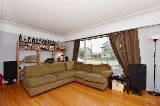 Photo 3: 3323 NAPIER Street in Vancouver: Renfrew VE House for sale (Vancouver East)  : MLS®# R2109951