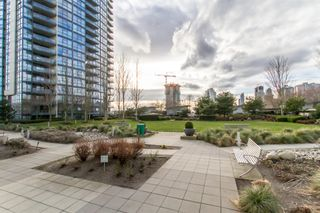 Photo 23: 902-2225 Holdom Ave in Burnaby: Condo for sale (Burnaby North)  : MLS®# R2463125