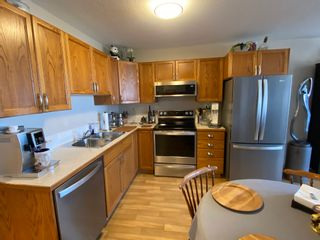 Photo 3: 304 5026 49 Street in Olds: Condo for sale : MLS®# A1098322
