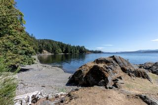 Photo 3: 230 Smith Rd in : GI Salt Spring House for sale (Gulf Islands)  : MLS®# 851563