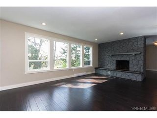 Photo 5: 979 Ridgeway St in VICTORIA: SE Swan Lake House for sale (Saanich East)  : MLS®# 636924