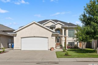 Photo 1: 614 Carr Crescent in Saskatoon: Silverspring Residential for sale : MLS®# SK815092