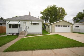 Photo 1: 56 8th Street NW in Portage la Prairie: House for sale : MLS®# 202122727
