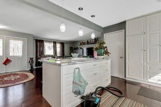 Photo 14: 739 64 Avenue NW in Calgary: Thorncliffe Detached for sale : MLS®# A1086538