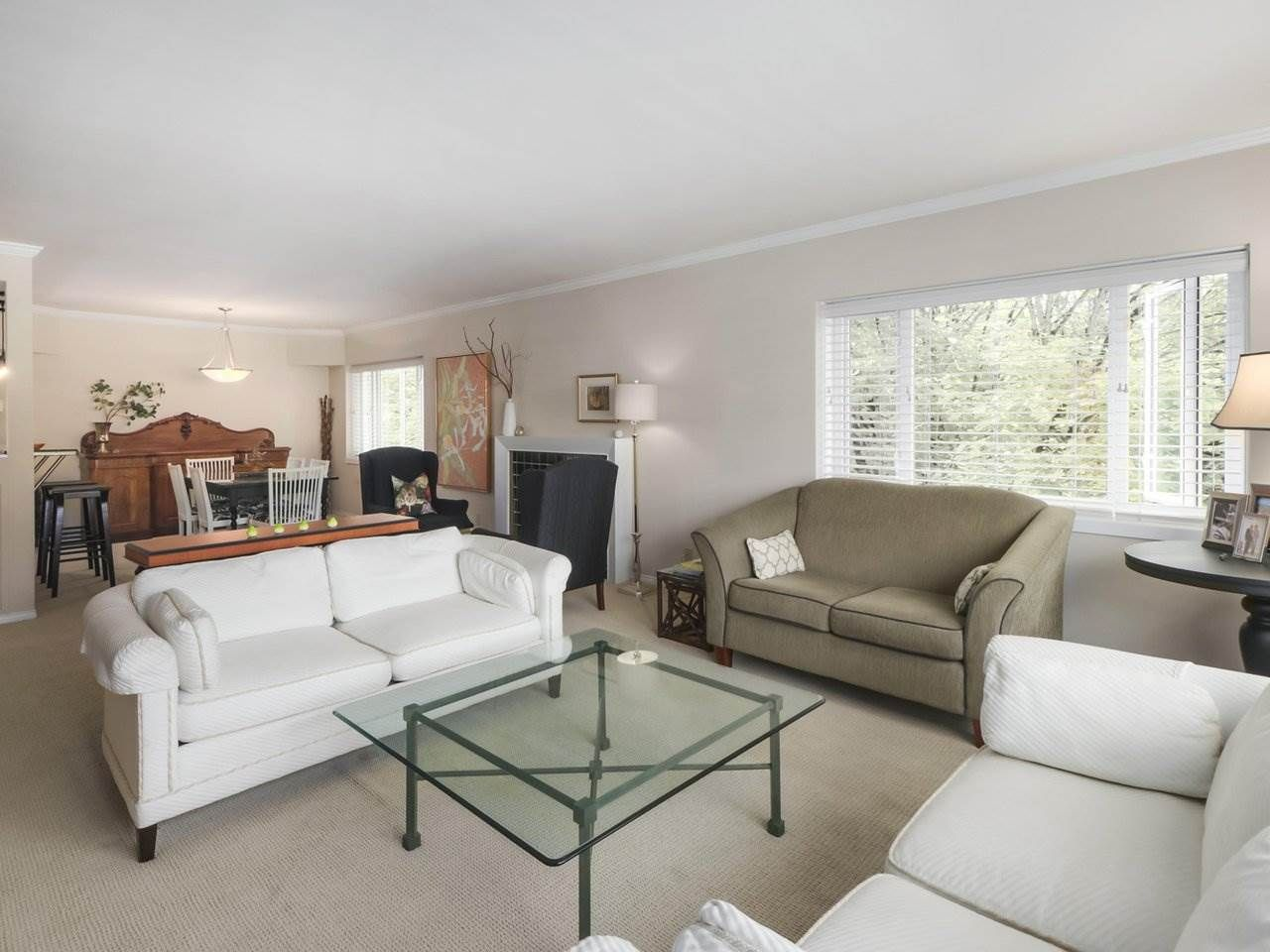 """Main Photo: 201 1595 W 14TH Avenue in Vancouver: Fairview VW Condo for sale in """"Windsor Apartments"""" (Vancouver West)  : MLS®# R2488513"""