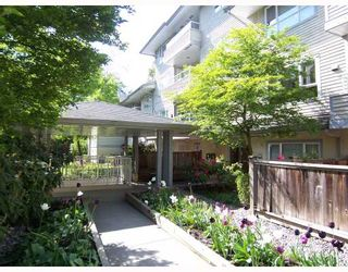 "Photo 1: 203 5577 SMITH Avenue in Burnaby: Central Park BS Condo for sale in ""COTTONWOOD GROVE"" (Burnaby South)  : MLS®# V766728"