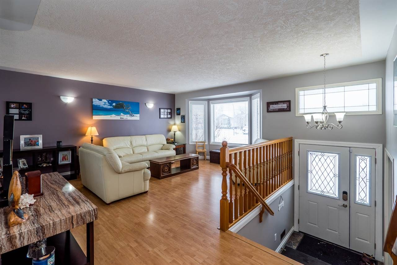 """Photo 3: Photos: 6968 O'GRADY Road in Prince George: St. Lawrence Heights House for sale in """"ST. LAWRENCE HTS/SOUTHRIDGE"""" (PG City South (Zone 74))  : MLS®# R2138337"""