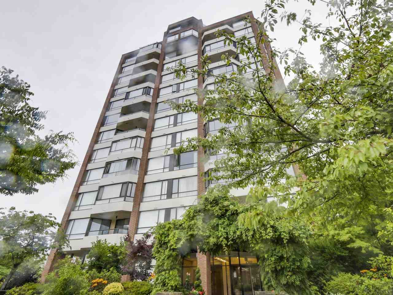 """Main Photo: 301 2189 W 42ND Avenue in Vancouver: Kerrisdale Condo for sale in """"GOVERNOR POINT"""" (Vancouver West)  : MLS®# R2098848"""