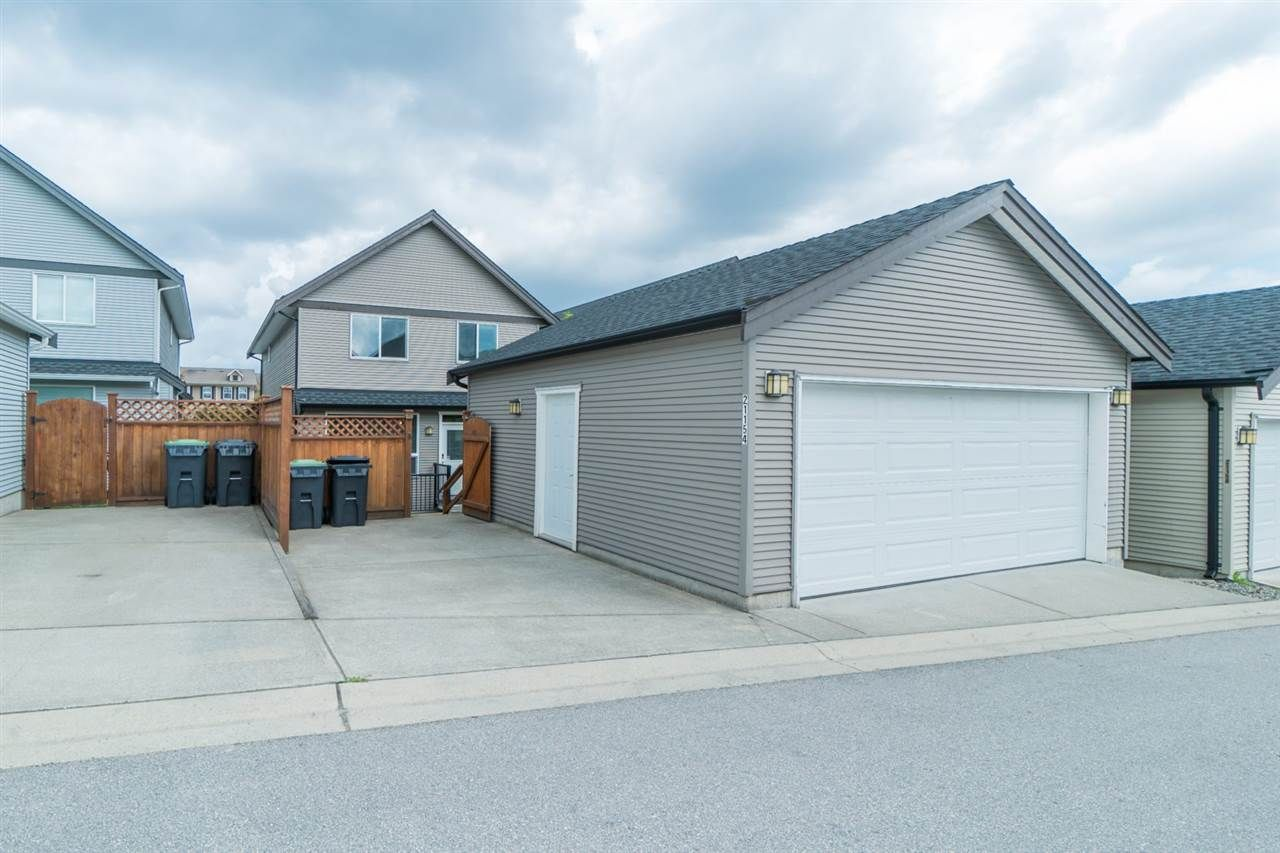 Photo 18: Photos: 21154 80 AVENUE in Langley: Willoughby Heights House for sale : MLS®# R2385259